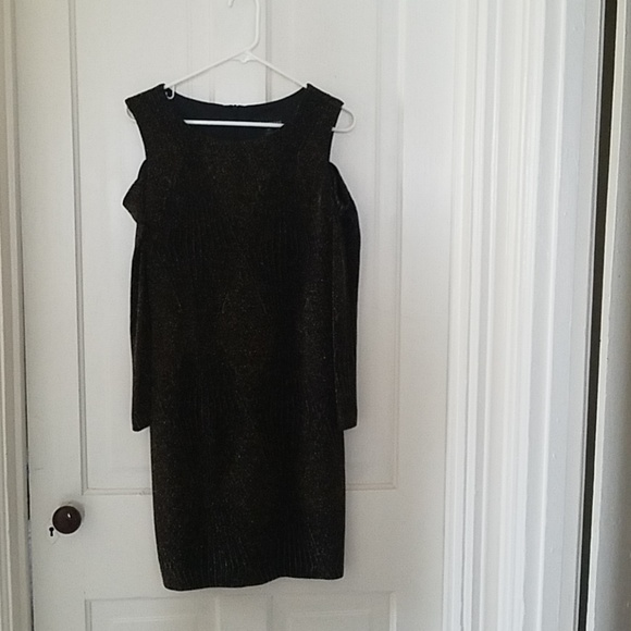 connected apparel Dresses & Skirts - Long sleeve with split sleeve